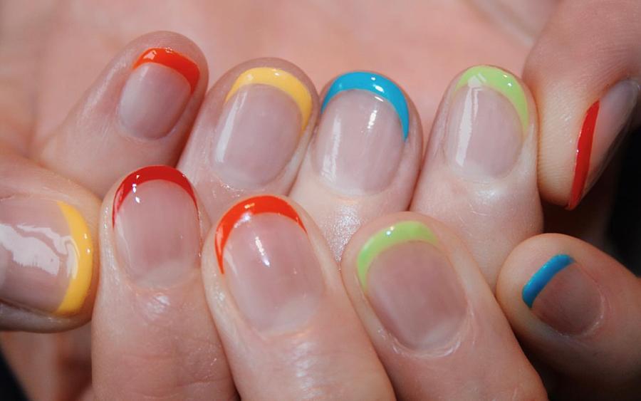 маникюр френч разноцветные яркие кончики тренд 2020 новый