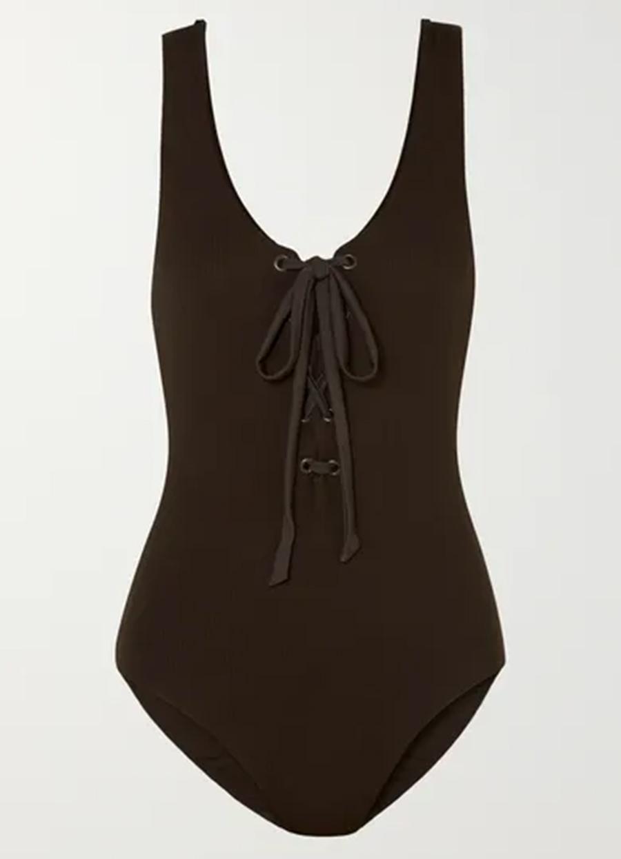 слитный сдельный купальник мнокини коричневый в бельевом стиле самые модные купальники лето 2020