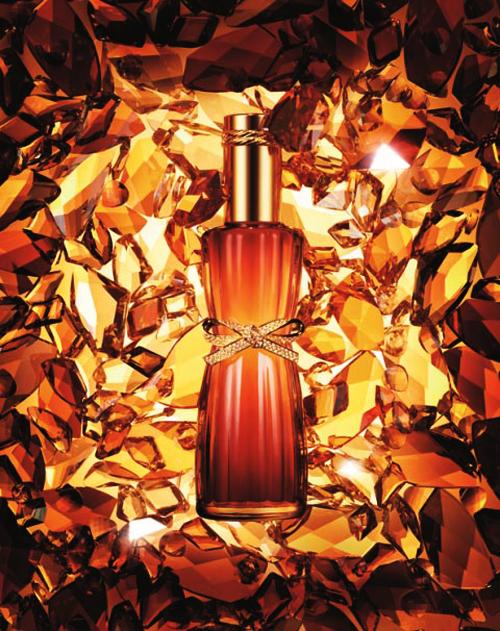 Парфюмированное пенное масло для ваннойEstee Lauder Youth-Dew