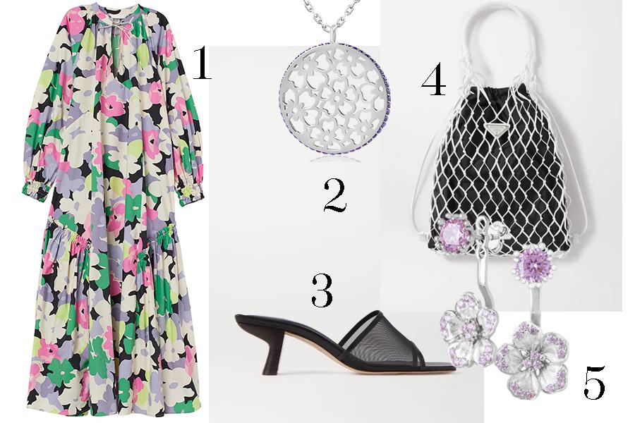 модное плвтье с цветочным принтом в цветах розовый зеленый фиолетовый с пышным рукавом черьные мюли шлепанцы сумка сетка скрьги серебряные цветы лето 2020