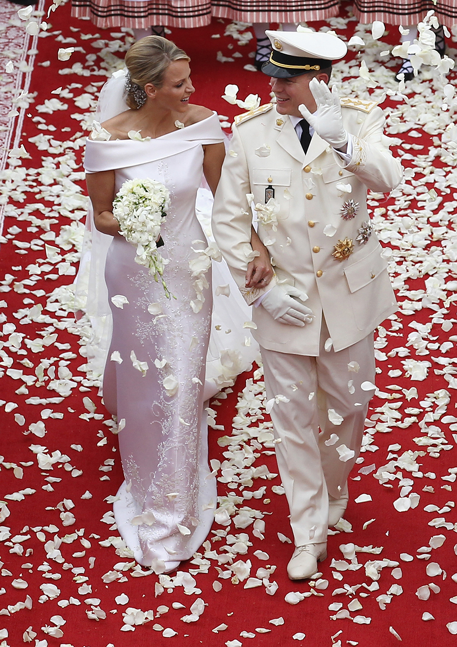 свадьба князь монако альбер княгина шарлен свадебное платье армани giorgio armani