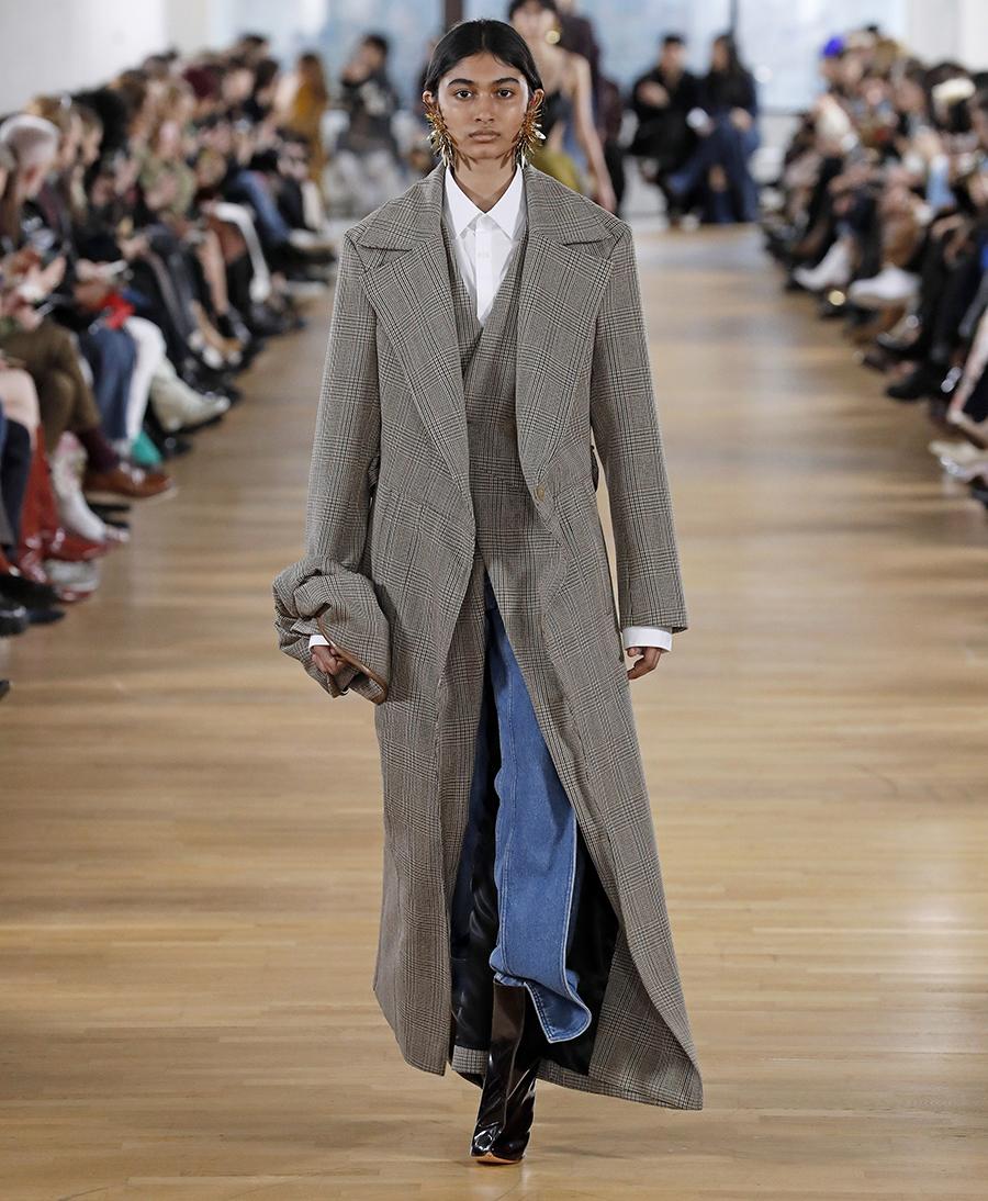 модные джинсы осень 2020 прямые голубые