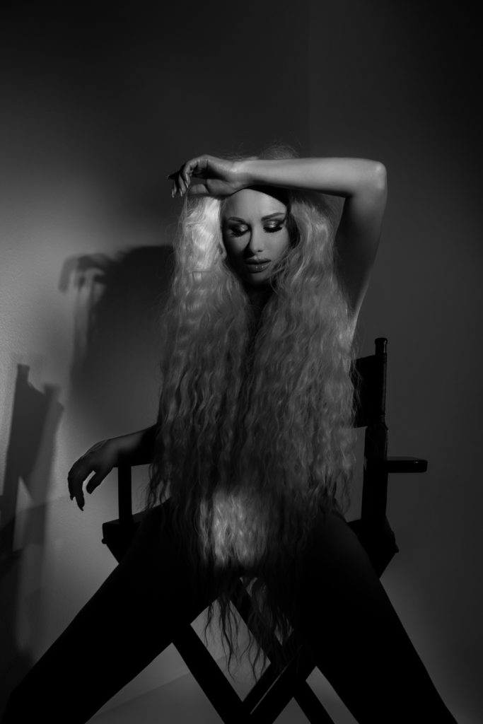 Катя Бужинская в фотопроекте «Антиэйджизм. Возраст не имеет значения»
