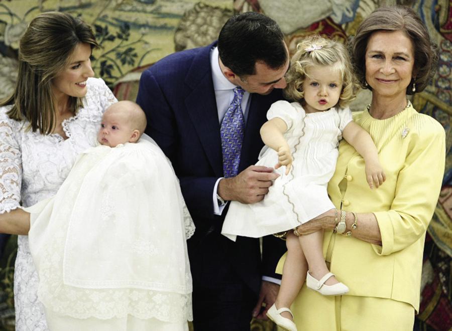 королева летиция король фелипе день рождения испанская королевская семья дети