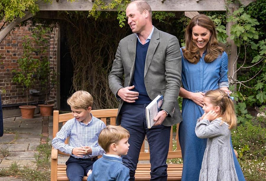 Кейт Миддлтон и принц Уильям поделились новыми милыми семейными фото | Караван