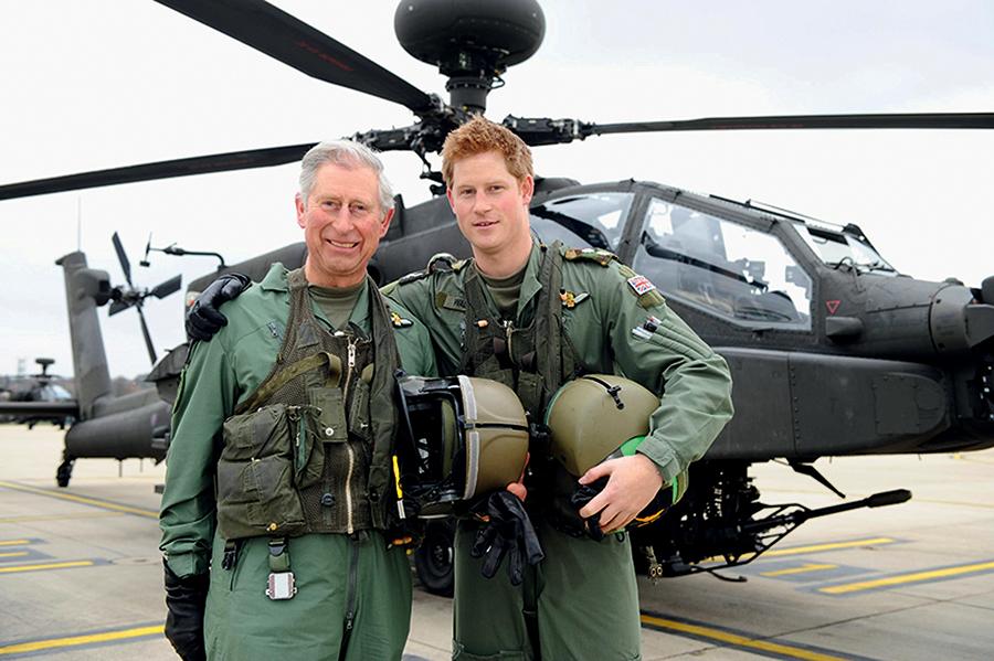 принц гарри день рождения отец принц чарльз военная служба пилот вертолет апач