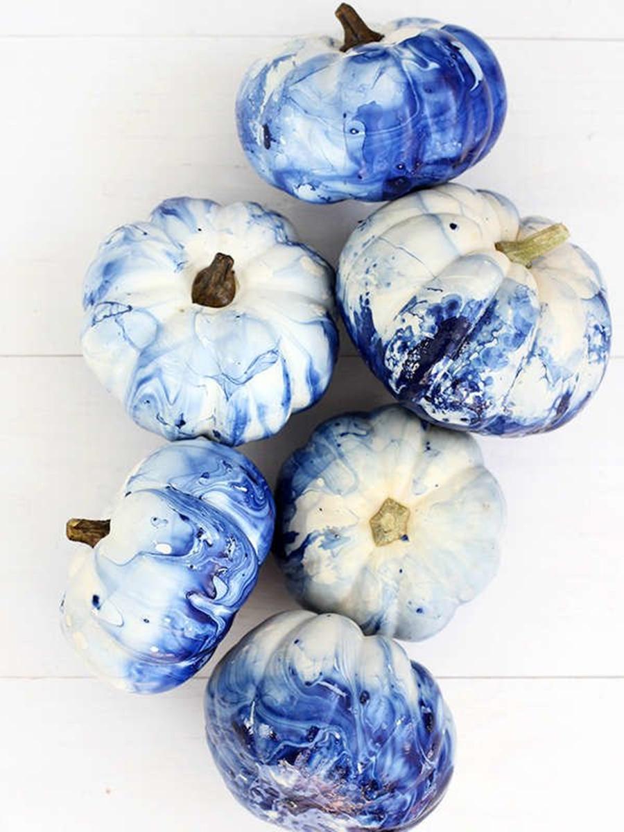 хэллоуин 2020 тыква яркаякраска белая синяя мраморная акварель