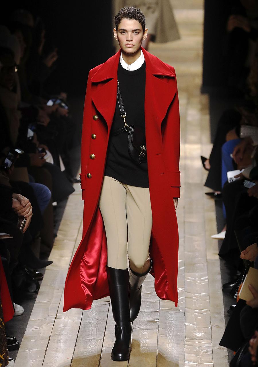 модное пальто осень 2020 яркое красное длинное