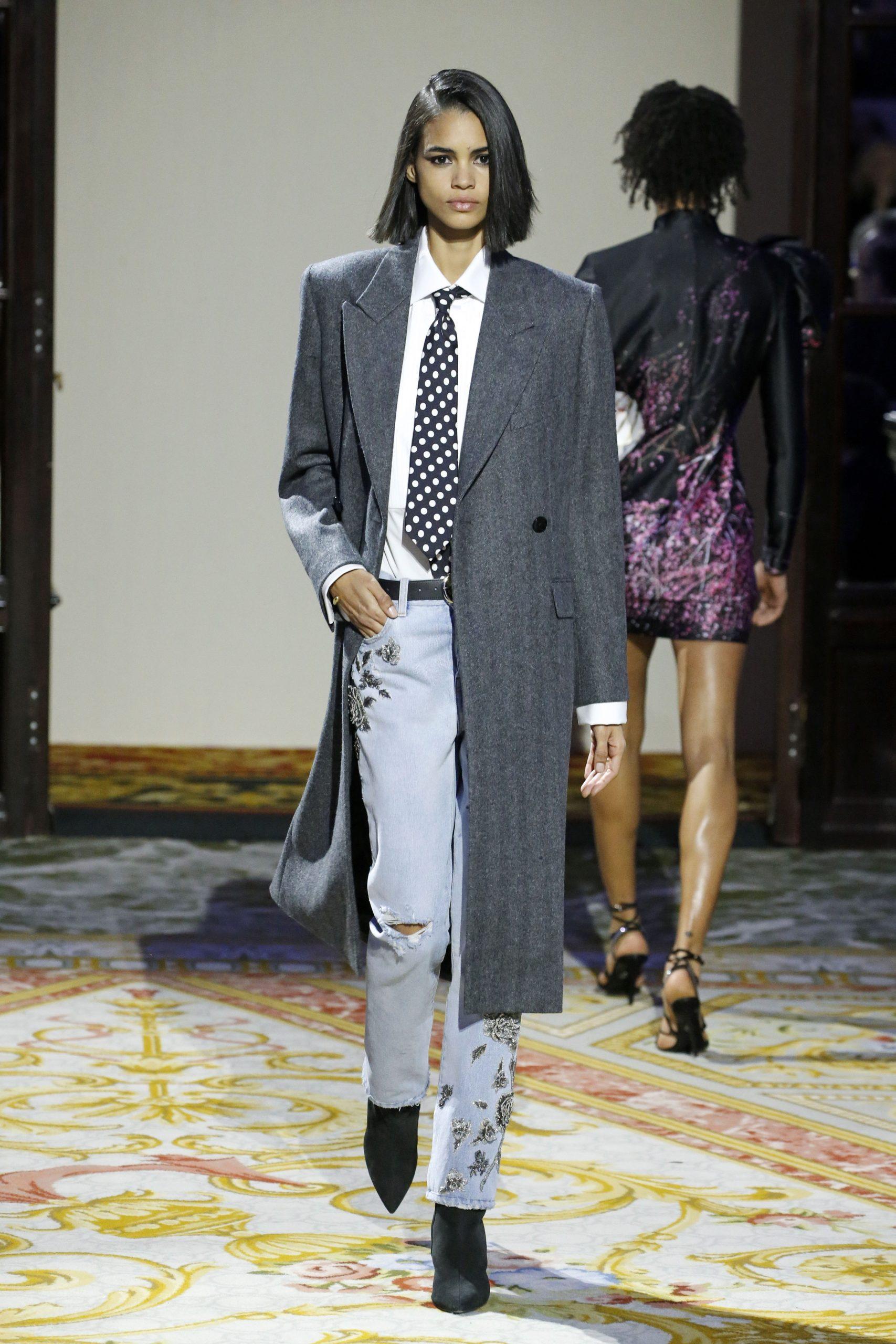 модное пальто осень 2020 серое в мужском стиле маскулинное за колено