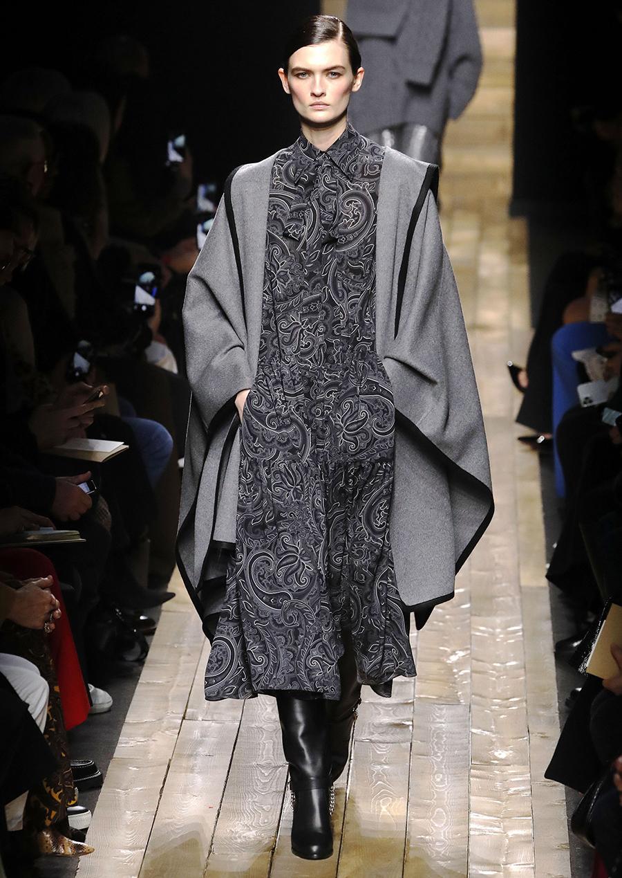 модное пальто осень 2020 накидка длинная мантия пончо серое