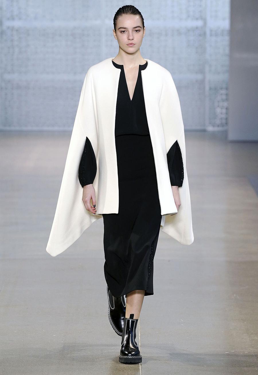 модное пальто осень 2020 кейп белый по колено