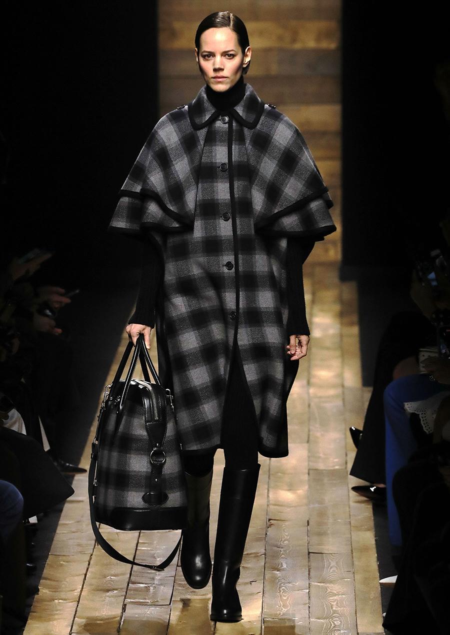 модное пальто осень 2020 кейп в клетку инвернесский по колено