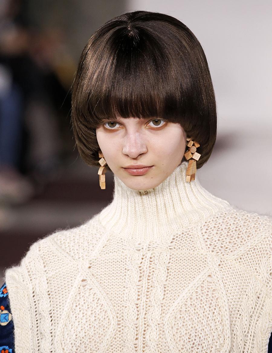 модная челка осень-зима челка пинап густая в стиле 70-х