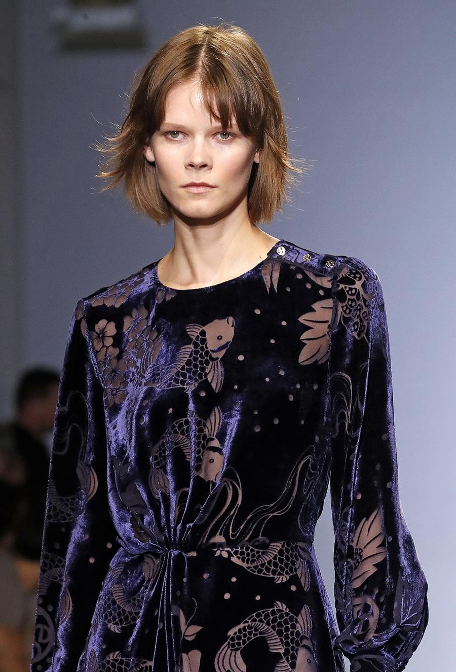 модная челка осень-зима французская челка парижанки