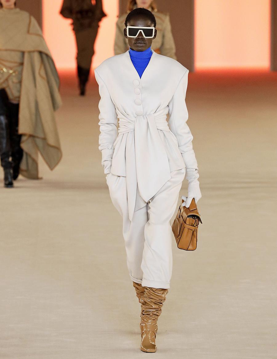 сапоги с широким голенищем со сборками гармошкой кожаные рыжие коричневые модные осень зима 2020 2021