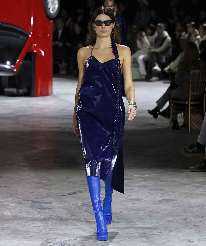 сапоги ботфорты высокие синие голубые яркие модные осень зима 2020 2021