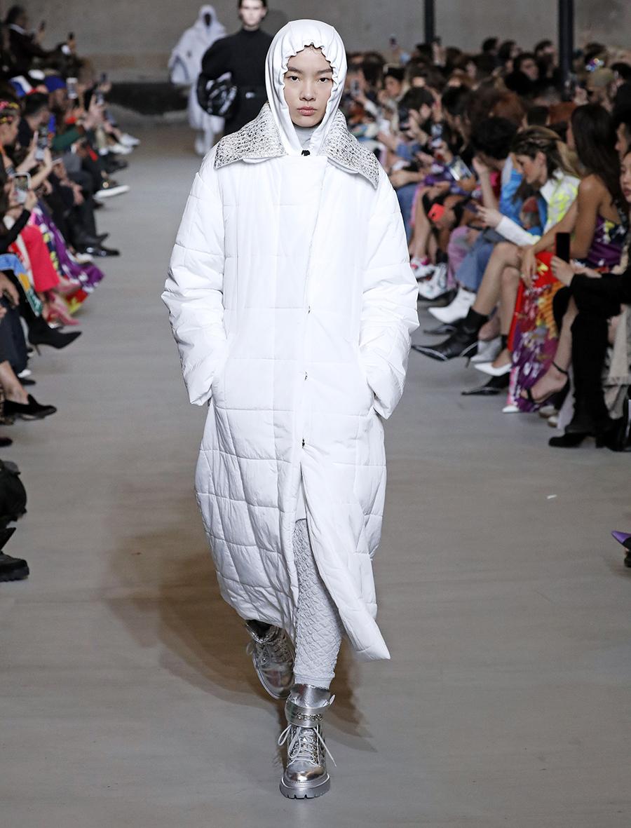 ботинки серебряные металлик блестящие модные осень зима 2020 2021