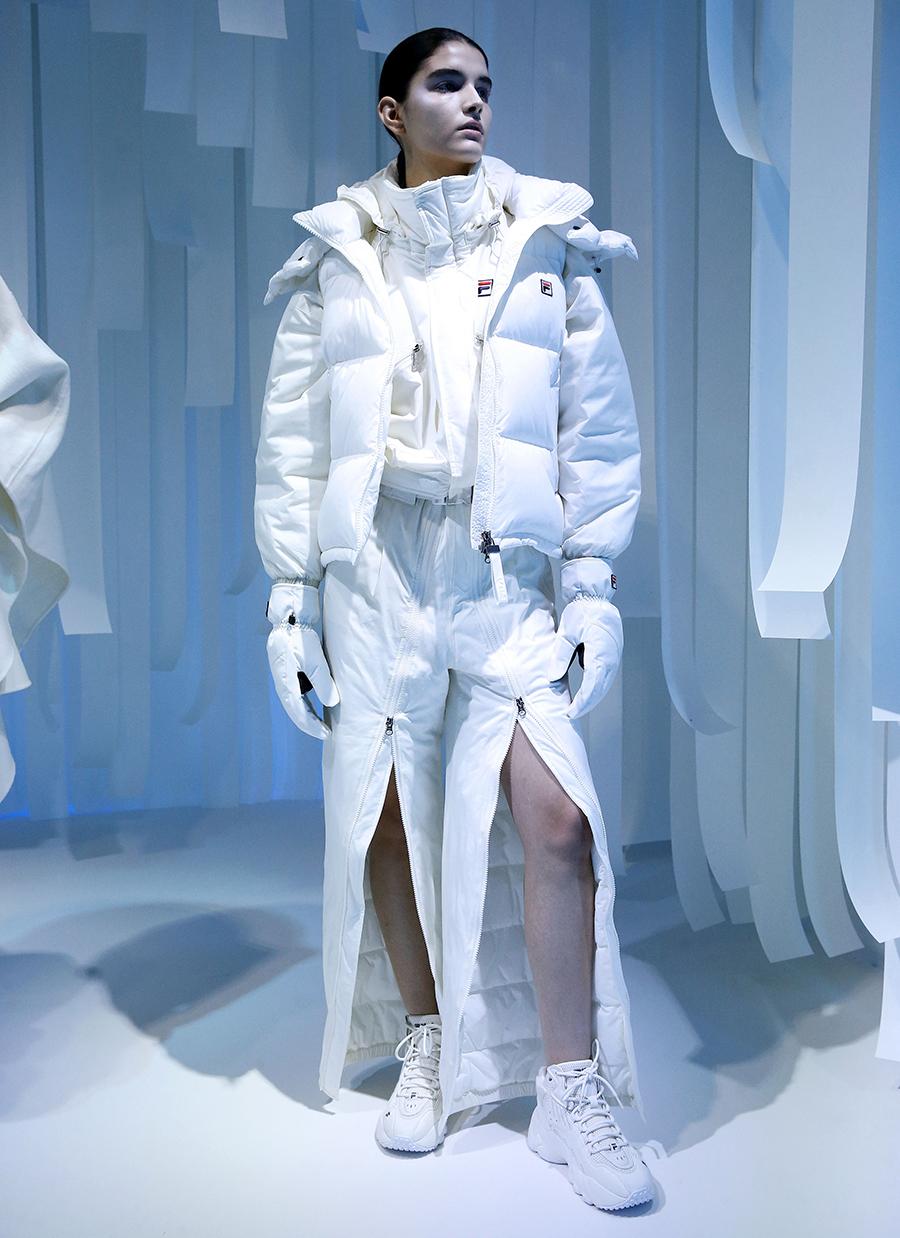 Ботинки на шнурках на плоском ходу белые модные осень зима 2020 2021
