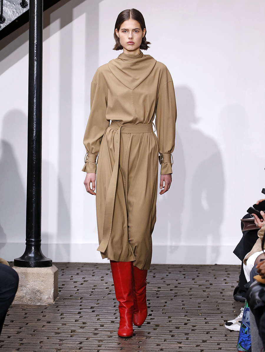 сапоги ботинки ботильоны сапоги на каблуке красные модные осень зима 2020 2021