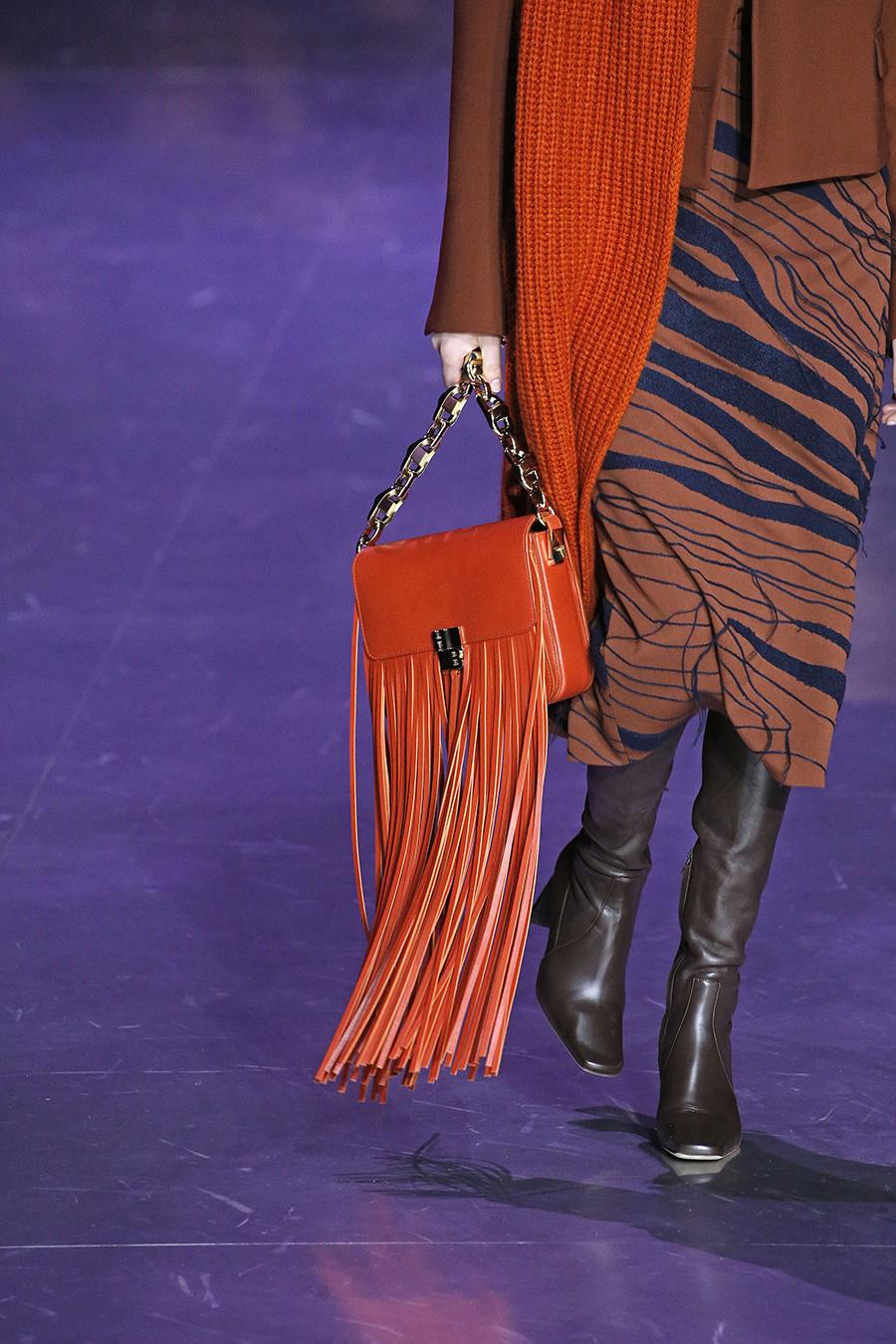 модная сумка бахрома осень зима 2020 2021 коричневая рыжая