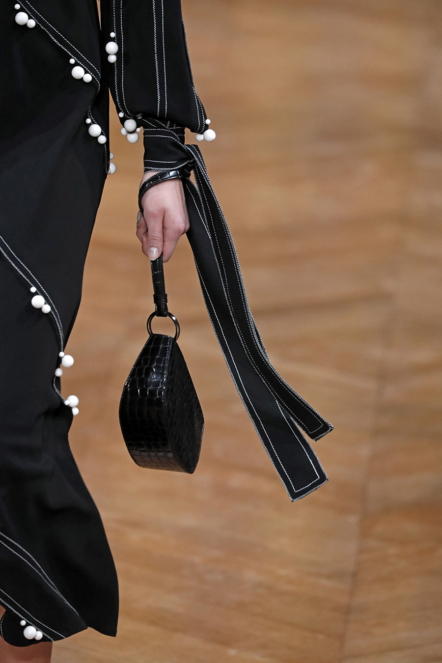модная сумка барсетка осень зима 2020 2021 черная ристлет