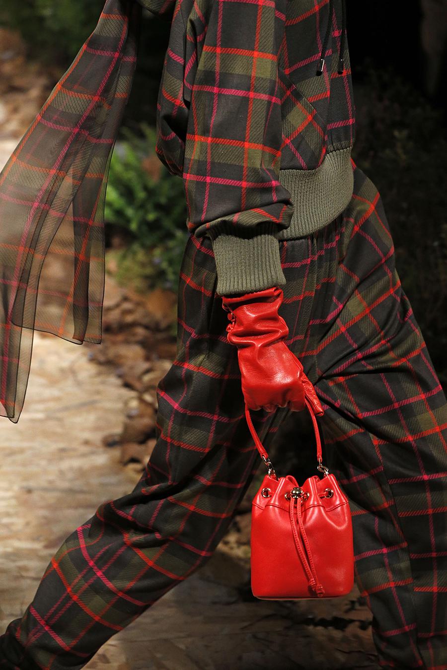 модная сумка мешок кисет осень зима 2020 2021 красная алая маленькая