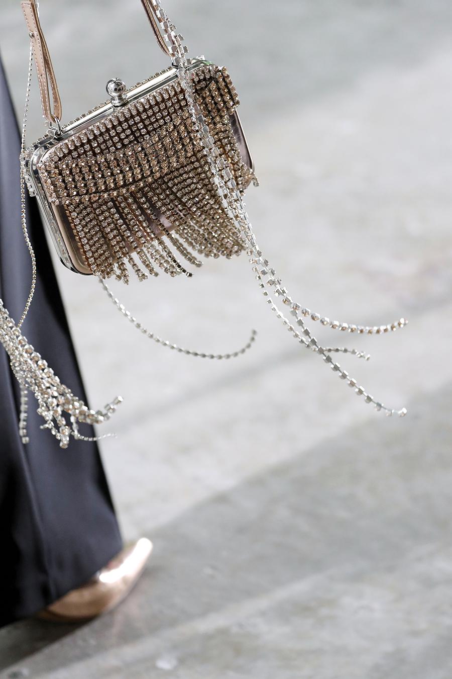 модная сумка минодьер осень зима 2020 2021 золотая прямоугольная стразы