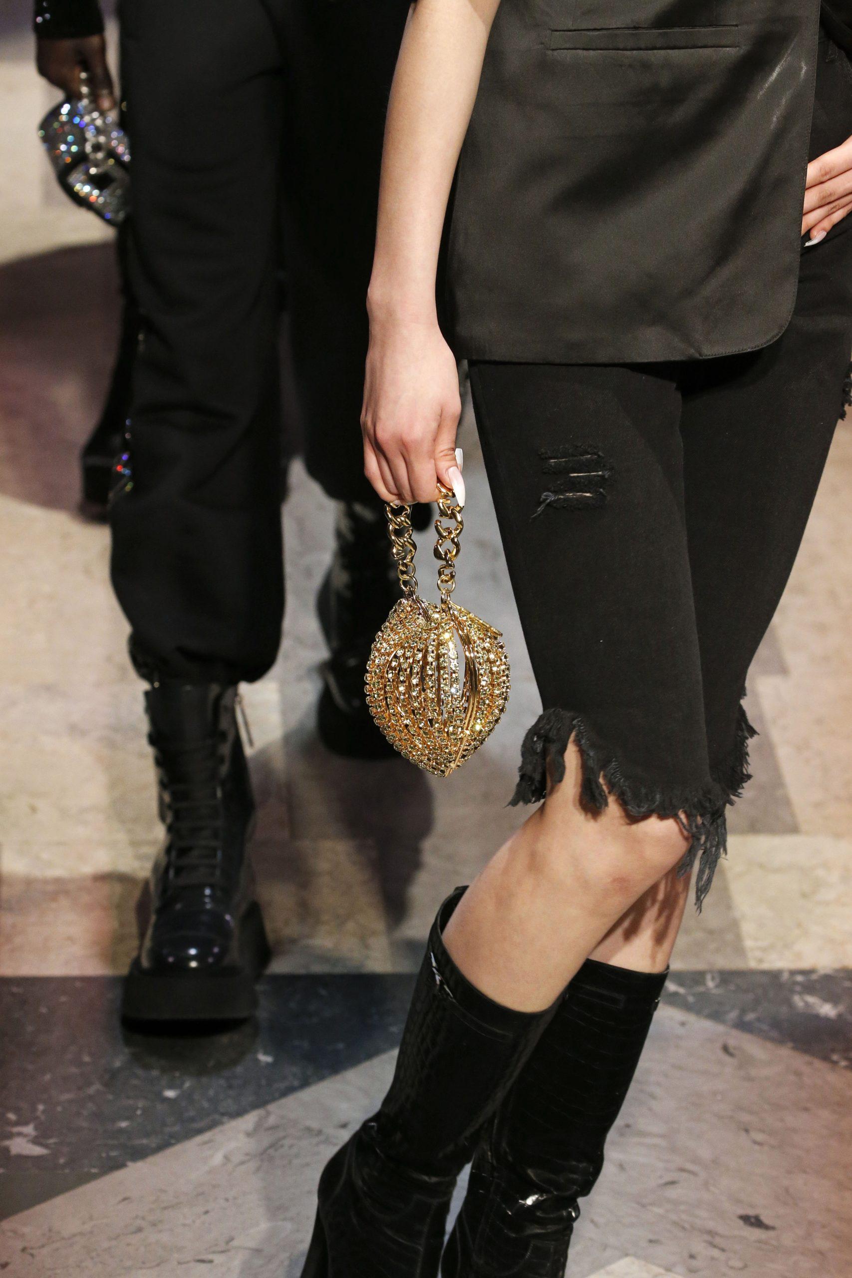 модная сумка минодьер осень зима 2020 2021 золотая круглая стразы