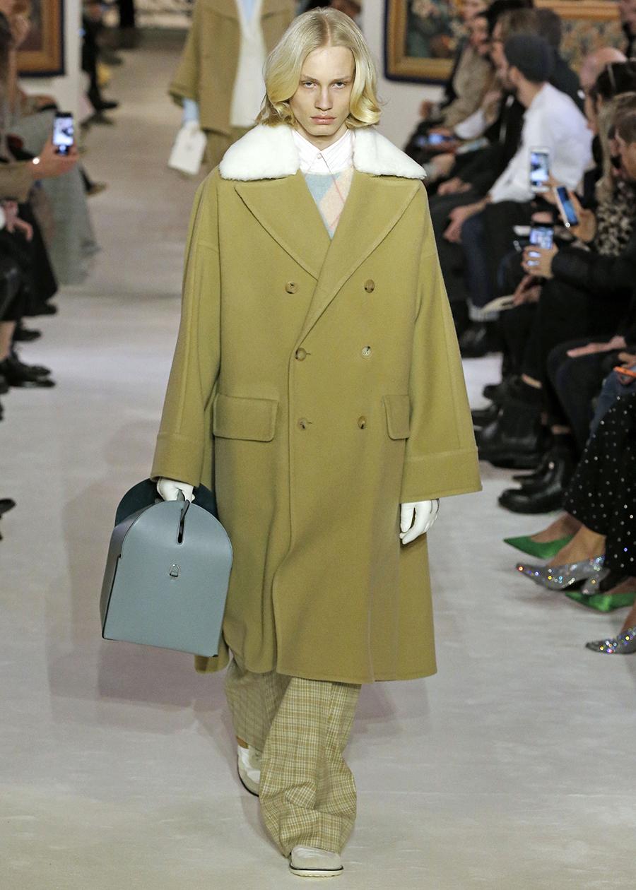 модная сумка саквояж огромная осень зима 2020 2021 чемоданчик голубой