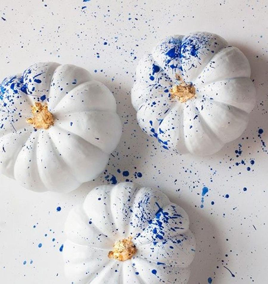 хэллоуин 2020 тыква яркая пестрая импрессионизм краска белая синяя
