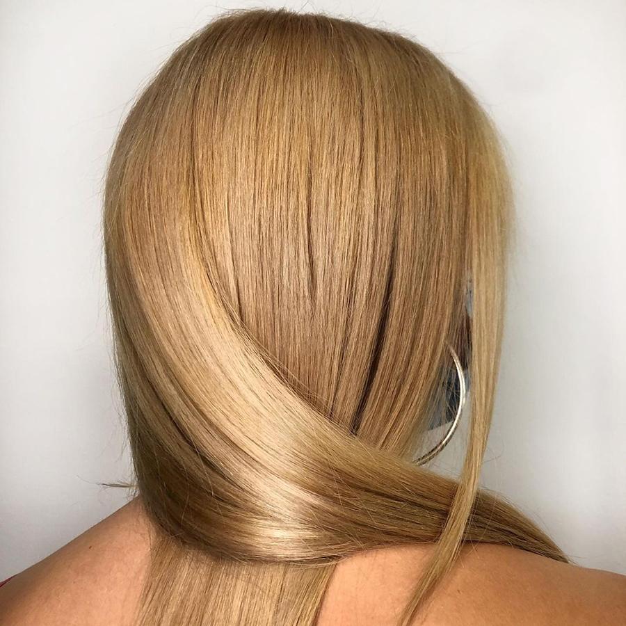 медовый бежевый блонд окрашивание для блондинок на светлые волосы осень-зима 2020-2021