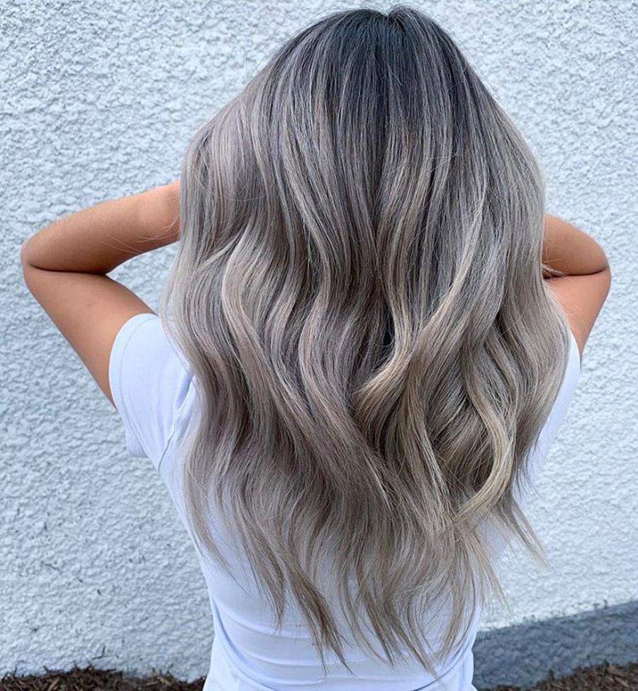 стальной пепельный блонд окрашивание для блондинок на светлые волосы осень-зима 2020-2021