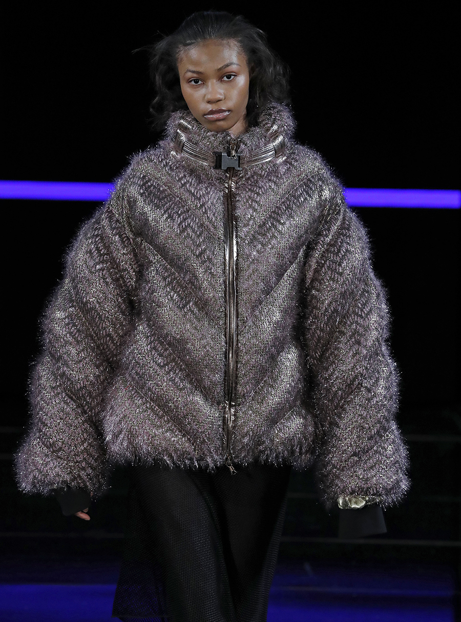 модный пуховик зима 2020 2021 серый короткий