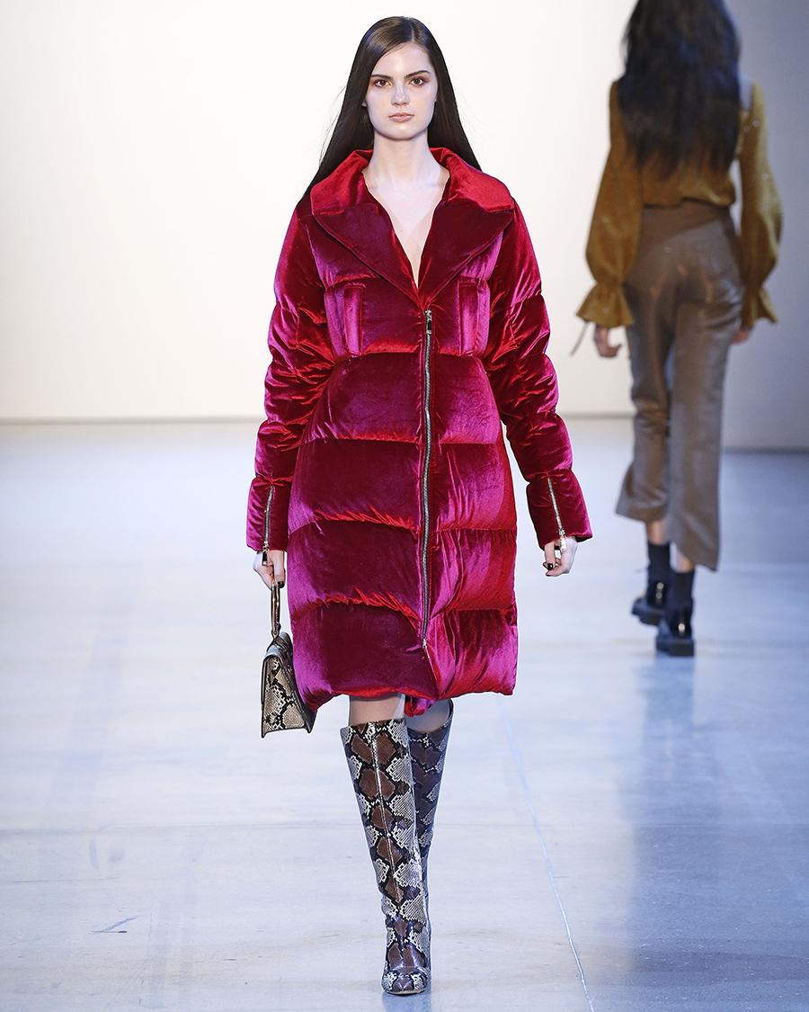 модный пуховик бархат плюш зима 2020 2021 розовый красный длинный