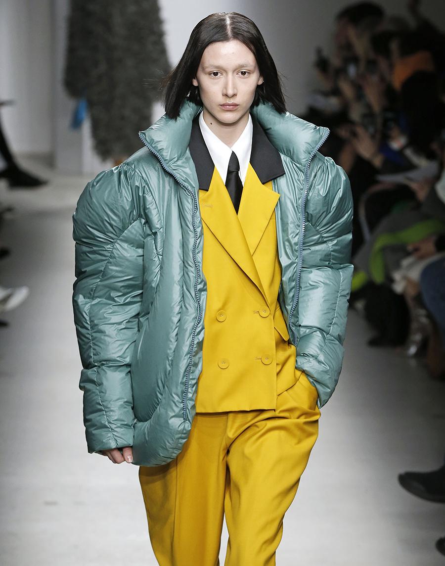 модный пуховик жакет короткий зима 2020 2021 зеленый шалфей цвет мятный