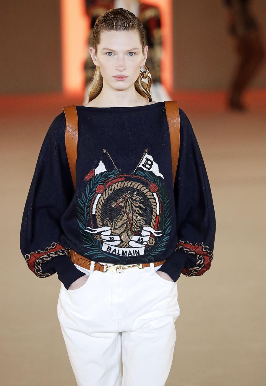модный свитер джемпер преппи осень зима 2020 2021 синий с эмблемой гербом