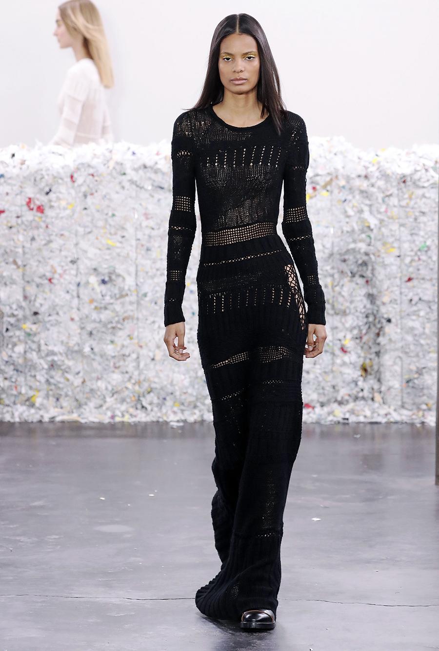 вязаное трикотажное платье ажурное макси в пол длинное теплое черное в обтяжку