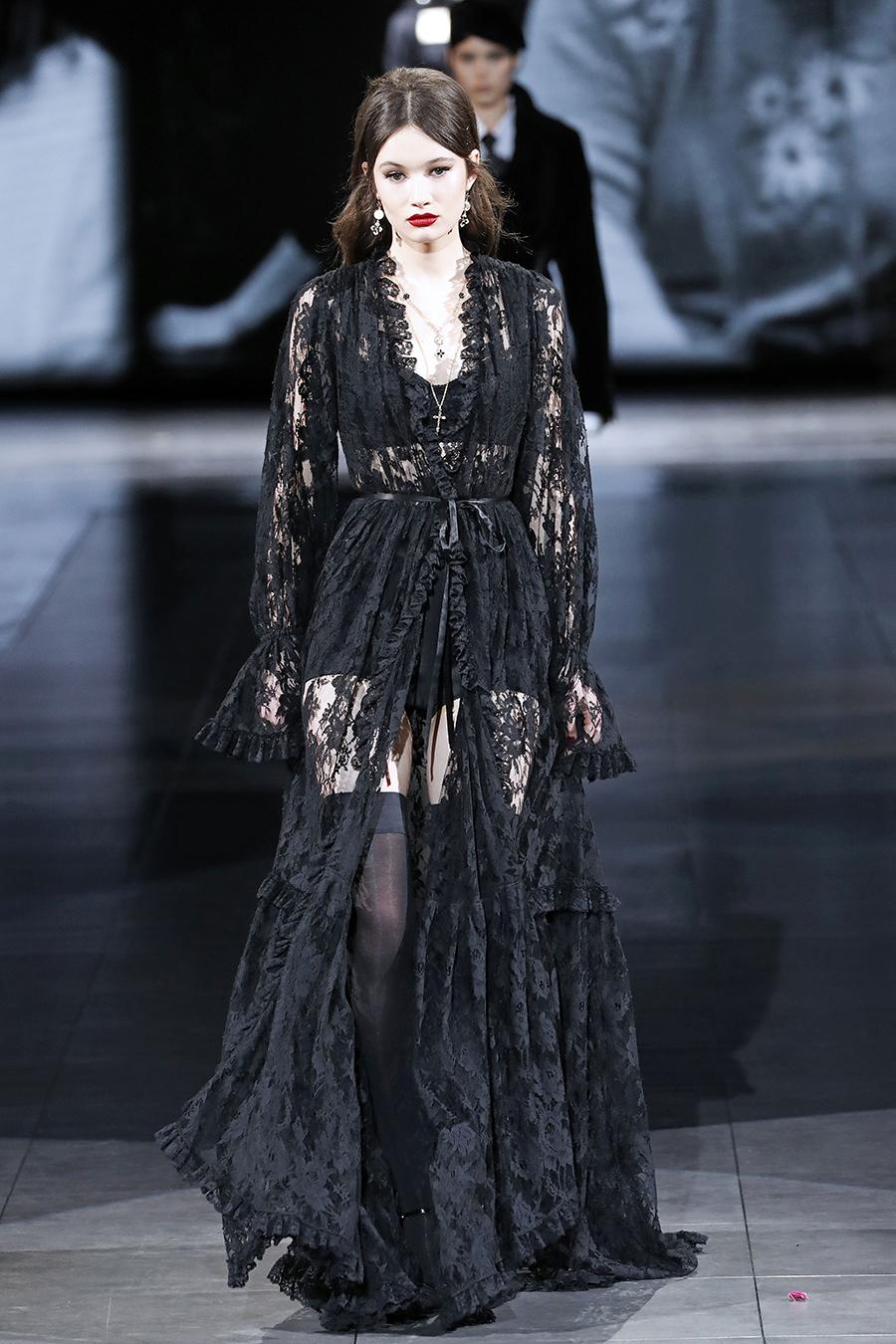 платье кружево черное длинное что надеть на новый год 2021