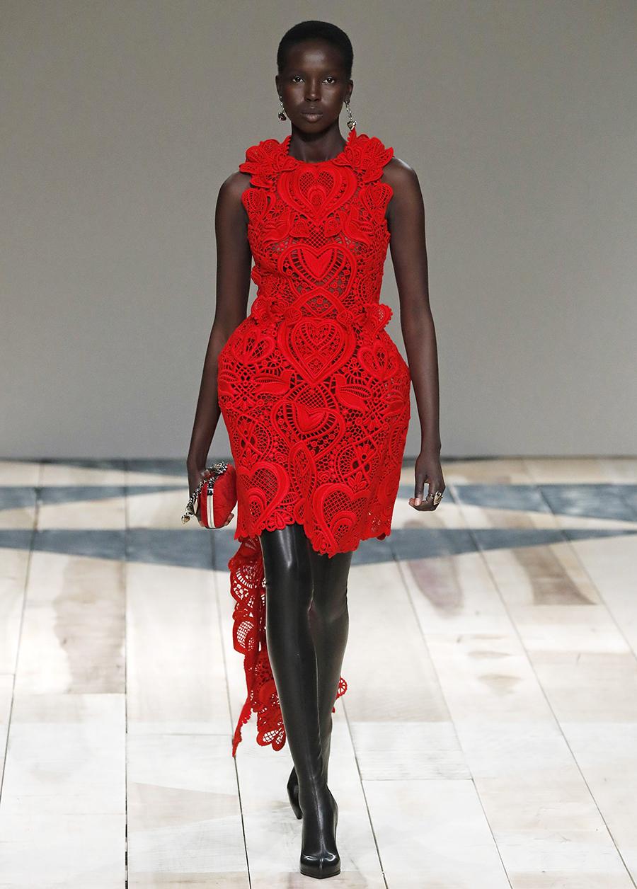 платье кружево красное короткое что надеть на новый год 2021