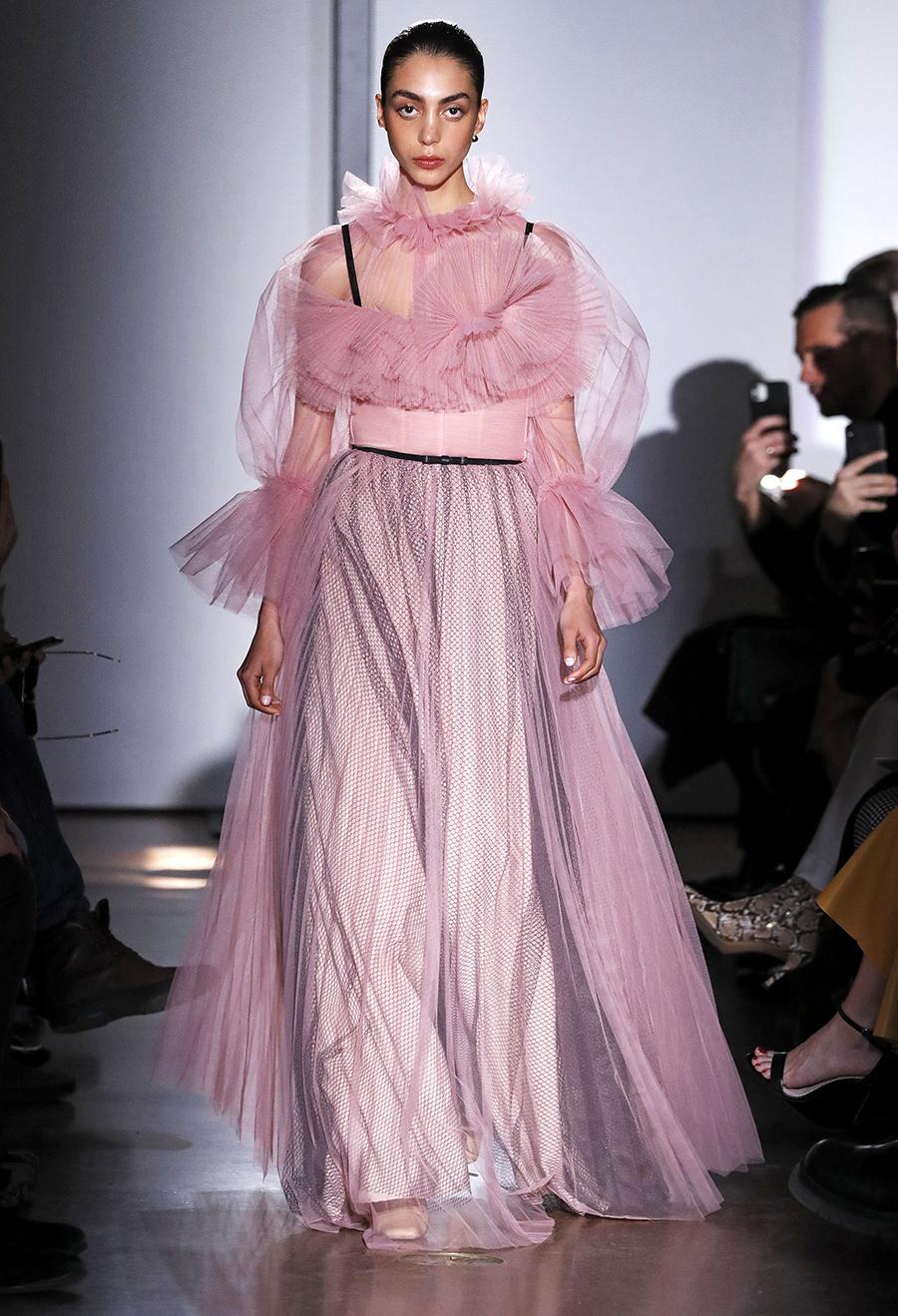 платье тюль прозрачное жлинное розовое что надеть на новый год 2021