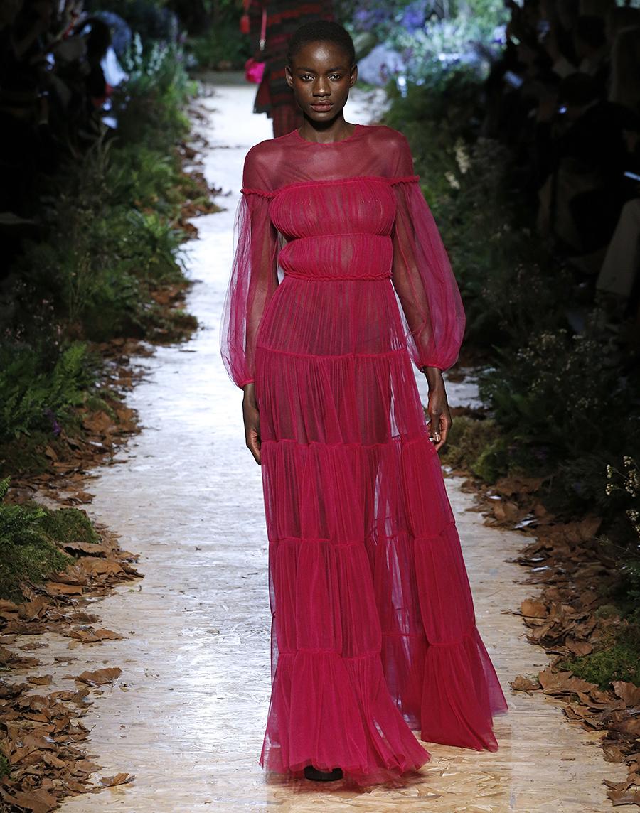 платье тюль прозрачное длинное розовое что надеть на новый год 2021