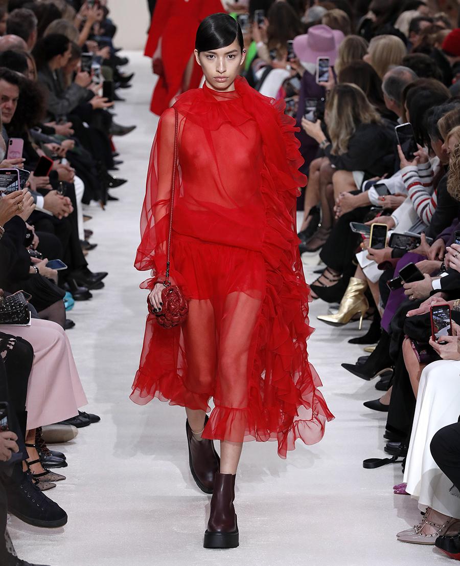 платье тюль прозрачное красное миди что надеть на новый год 2021