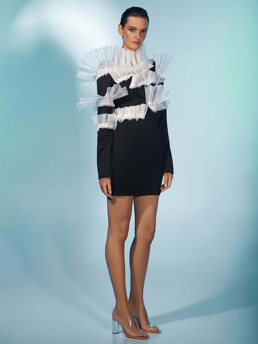 платье оборки короткое черное белое что надеть на новый год 2021