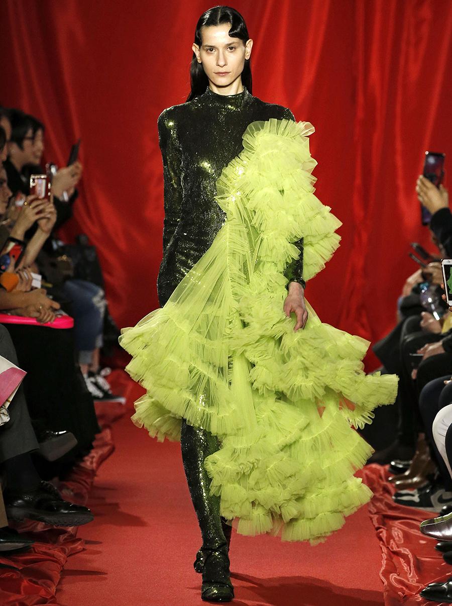 платье оборки длинное зеленое что надеть на новый год 2021