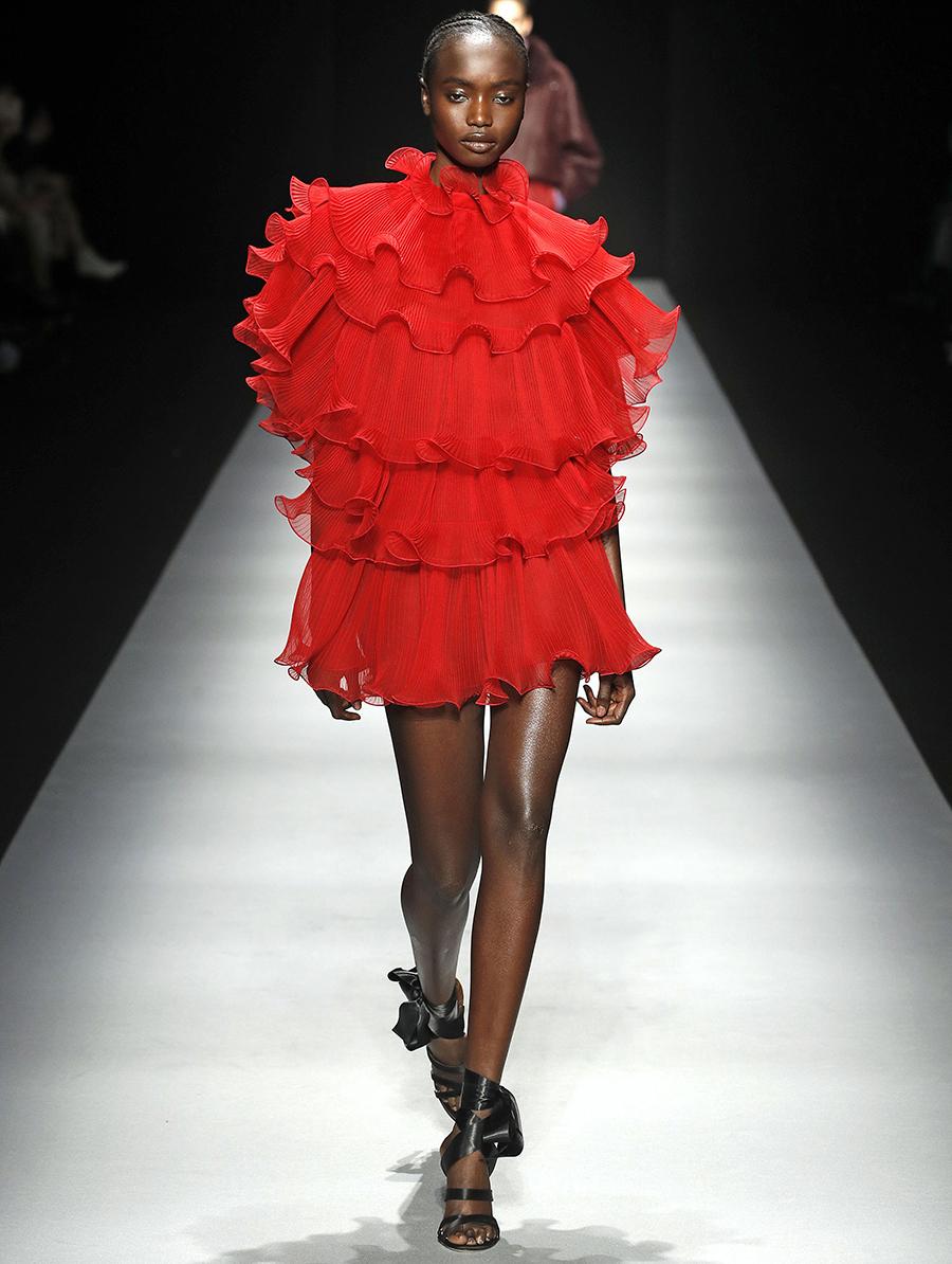 платье оборки красное короткое что надеть на новый год 2021