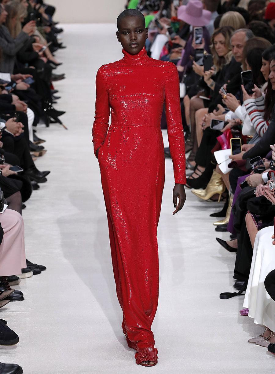 платье пайетки длинное красное что надеть на новый год 2021