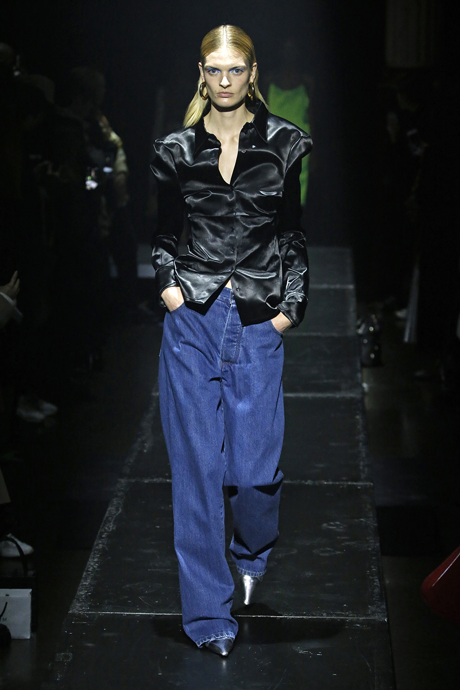 джинсы зима 2020 2021 модные широкие мешковатые оверсайз палаццо длинные голубые