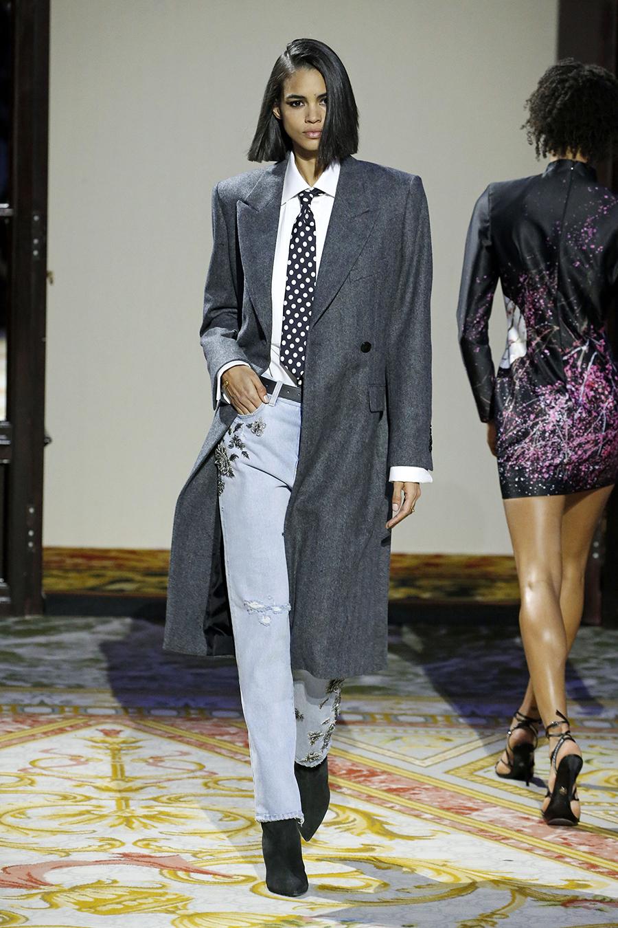 модные прямые узкие джинсы 2021