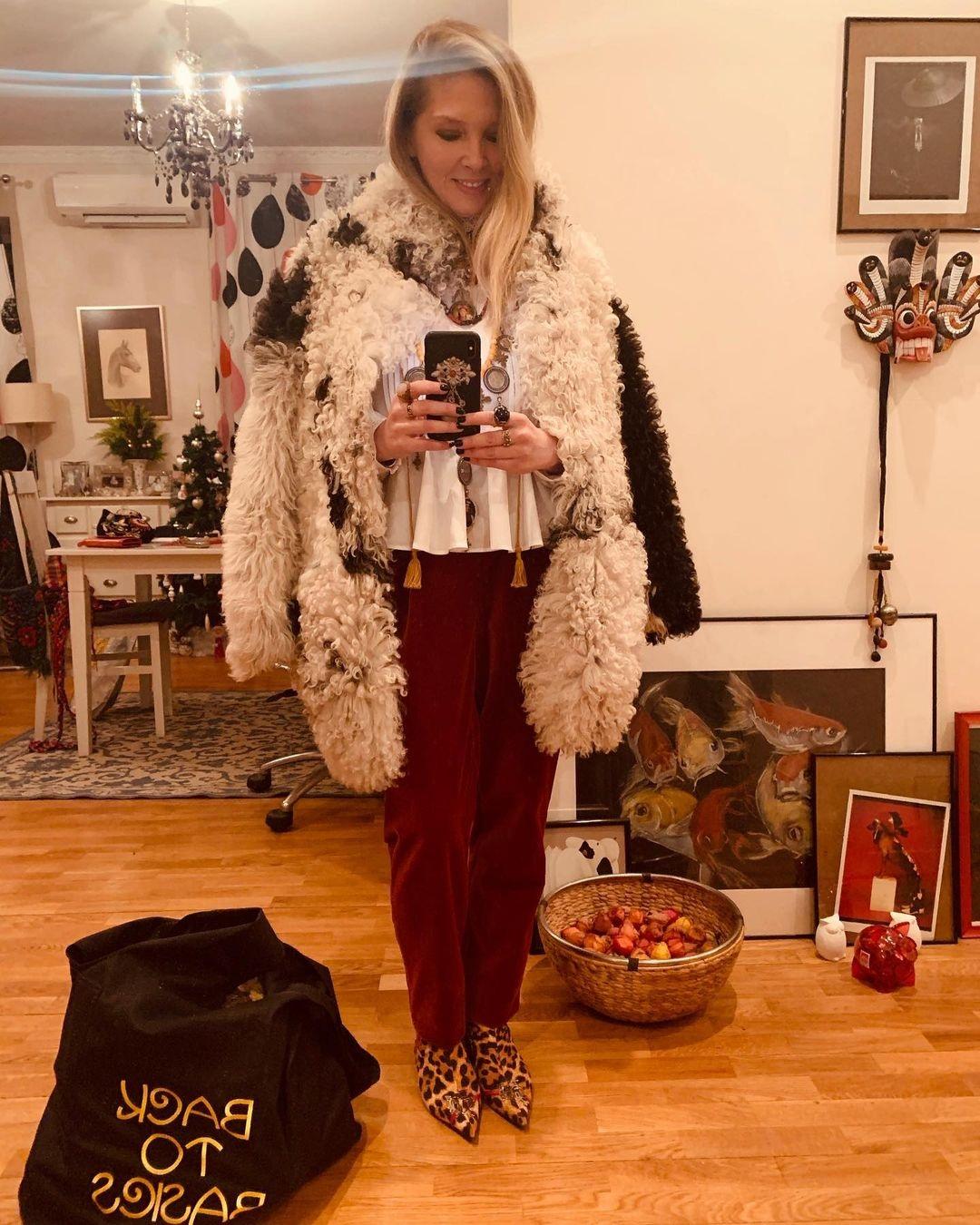 Ольга Нароцкая Рождество Новый год 2021 как одеться