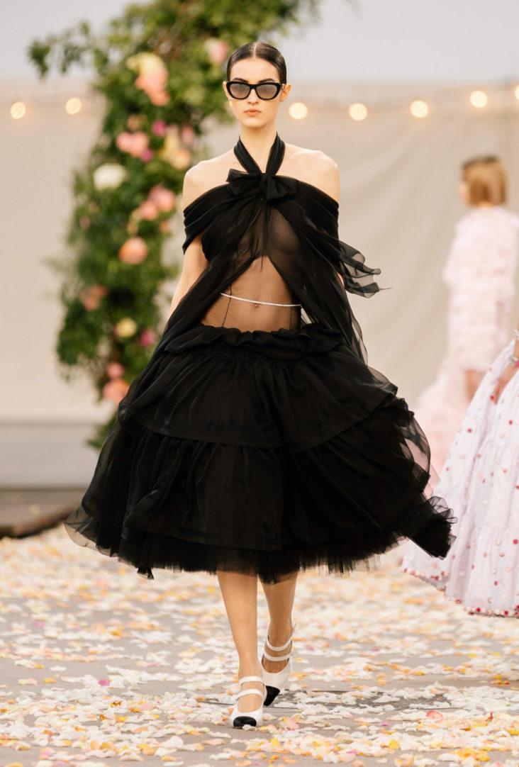 маленькое черное платье Chanel 2021